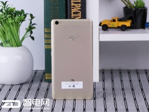中秋手机厂商引领降价潮 低价促销恐难打动消费者